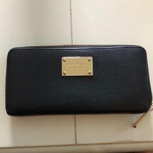 Michael Kors Classic Wallet